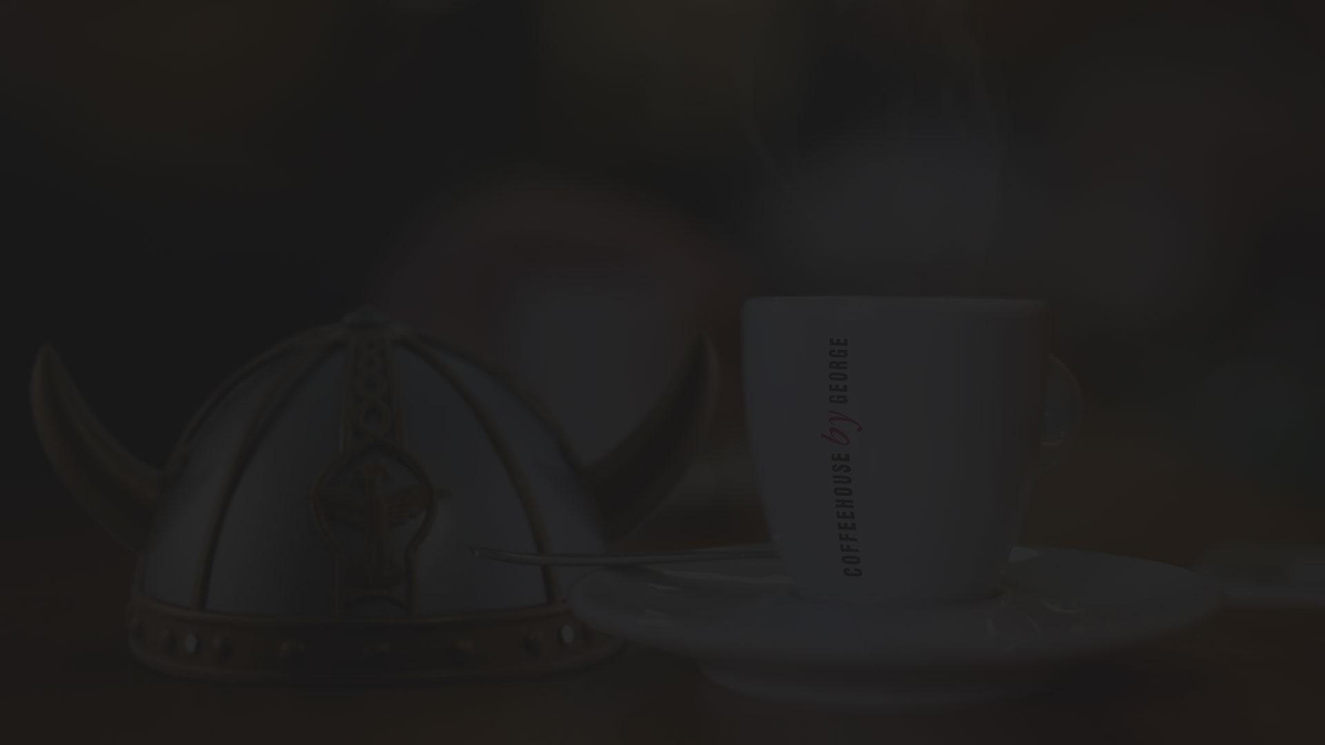 کلاه خود و فنجان قهوه- آژانس تبلیغات کربن-تبلیغات دیجیتال- دیجیتال