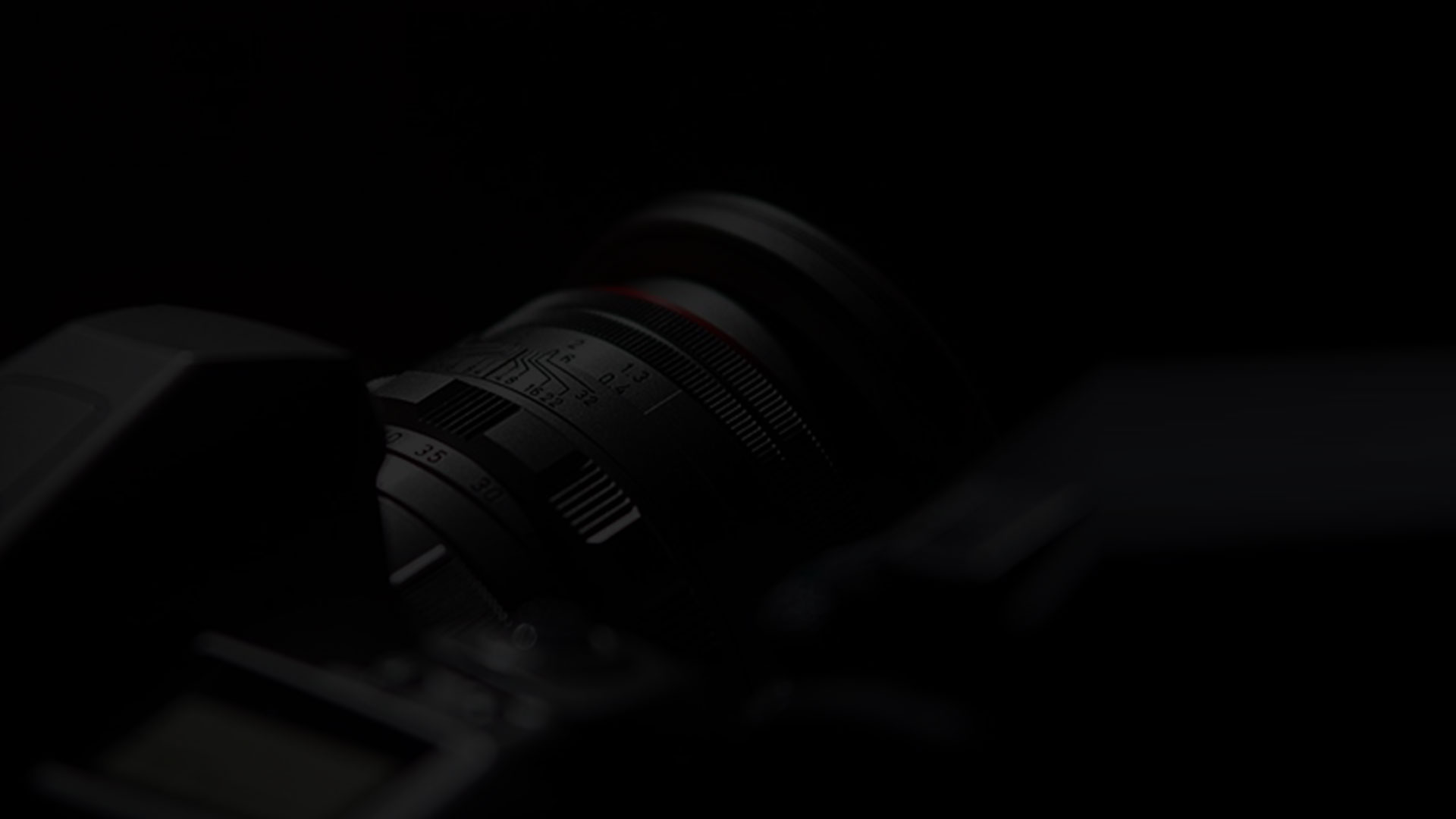 لنز دوربین- آژانس تبلیغات کربن- تبلیغات دیجیتال- دیجیتال مارکتینگ